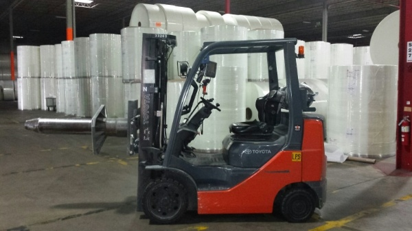 Warehouse-Distribution-Equipment-forklift.jpg