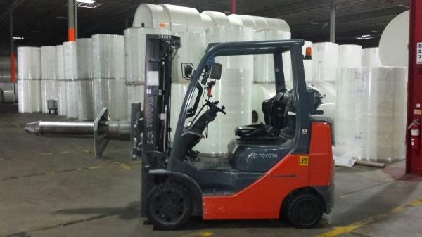 Warehouse-Distribution-Equipment-forklift.jpg